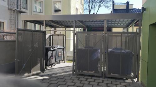 Mülltonnenhaus (8)