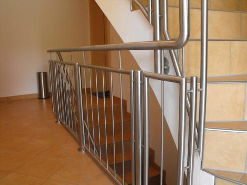 Treppengelaender-gerade-1080x810